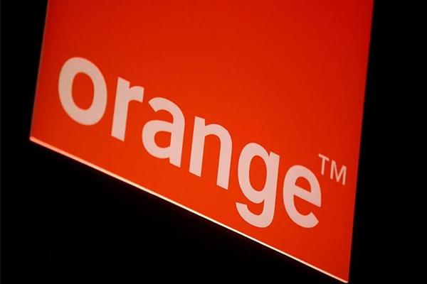 UFC-Que Choisir, Orange se démarque parmi les quatre opérateurs de téléphonie mobile en France.