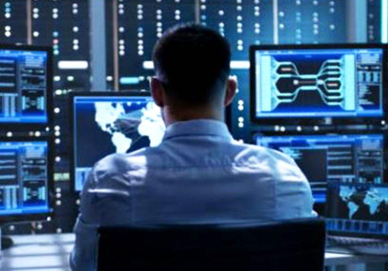 La Suisse affiche une demande croissante d'effectifs dans le domaine du TIC. De ce fait, d'ici 2026, 40,000 travailleurs de plus devrait avoir été formés.