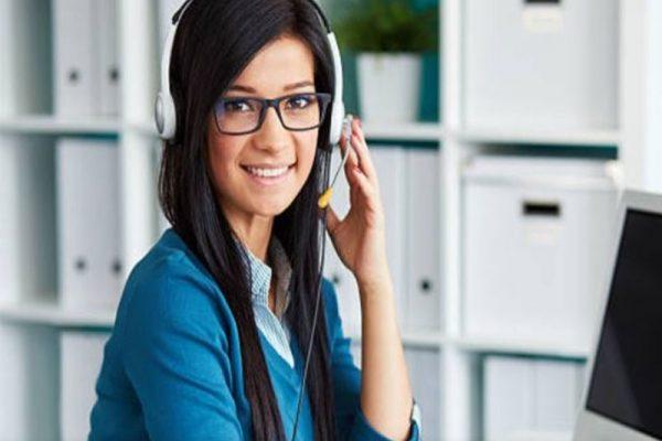 Pour accueillir les clients de la meilleure des façons, notamment dans les centres d'appels, il est important d'être poli, à l'écoute et prompte à l'aider.